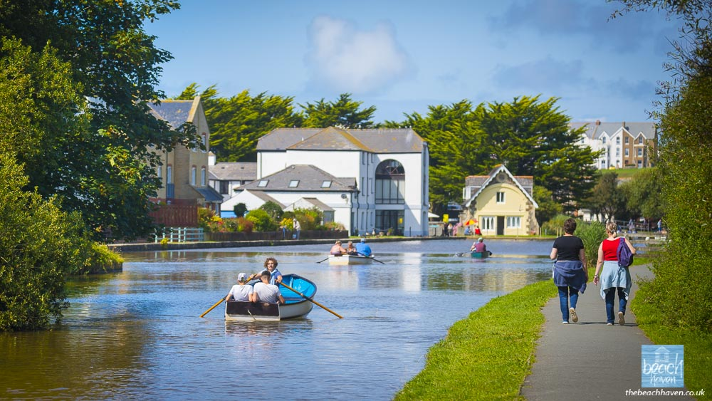 Fun on the water on Bude Canal