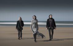 Auri on Sandymouth beach. Troy Donockley, Johanna Kurkela and Tuomas Holopainen.