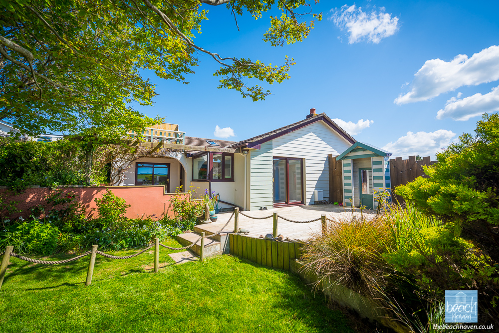 The enclosed garden and sundeck at the Beach Haven dog-friendly holiday cottage at Bude in Cornwall